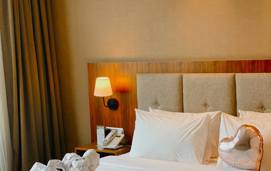 Staycation di Avenzel Hotel and Convention